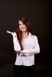 Ritratto della donna di affari Armi attraversate, sorridenti Fotografie Stock Libere da Diritti
