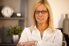 Ritratto della donna di affari sicura Fotografia Stock Libera da Diritti