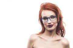 Ritratto della donna di vetro di occhiali isolato su bianco Fram dello spettacolo Fotografia Stock