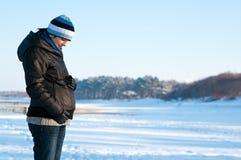 Ritratto della donna incinta di inverno Immagini Stock