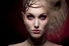 Ritratto della donna nel trucco di Halloween Fotografie Stock Libere da Diritti