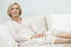Ritratto della donna senior attraente Fotografia Stock