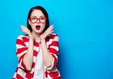Ritratto della donna sorpresa bei giovani fotografia stock libera da diritti