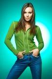 Ritratto della donna su verde immagine stock libera da diritti