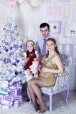 Ritratto della famiglia di Natale immagine stock