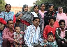 Ritratto della famiglia di una famiglia indiana Immagine Stock