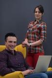 Ritratto della gente di affari del gruppo nell'interno moderno dell'ufficio Fotografie Stock