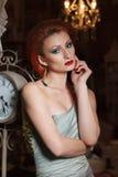 Ritratto della giovane donna adulta fotografia stock