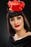 Ritratto della giovane donna in cappello rosso Immagine Stock Libera da Diritti