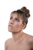 Ritratto della giovane donna con l'acconciatura isolata Fotografie Stock