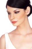 Ritratto della giovane donna di Atractive, osservante giù Immagini Stock Libere da Diritti