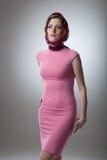 Ritratto della giovane donna sexy in vestito rosa Immagine Stock Libera da Diritti
