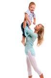 Ritratto della madre felice con il figlio allegro Fotografia Stock