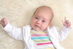 Ritratto della neonata sveglia Immagine Stock