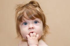Ritratto della neonata sveglia Immagini Stock Libere da Diritti