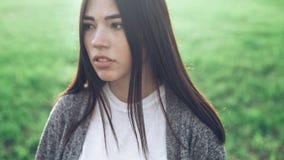 Ritratto della ragazza all'aperto Fotografie Stock Libere da Diritti