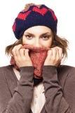 Ritratto della ragazza in berretto e sciarpa Immagini Stock Libere da Diritti