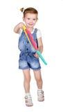 Ritratto della ragazza che gioca con i blocchetti della costruzione Immagine Stock