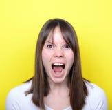 Ritratto della ragazza che grida Immagini Stock