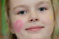 Ritratto della ragazza con gli occhi azzurri Fotografia Stock