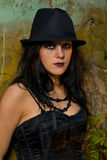 Ritratto della ragazza del goth con il cappello Immagine Stock