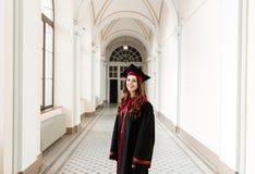 Ritratto della ragazza dello studente di laurea dell'università Immagine Stock Libera da Diritti
