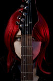 Ritratto della ragazza gotica con la chitarra Fotografie Stock Libere da Diritti