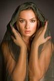 Ritratto della ragazza isolato sul nero fotografia stock libera da diritti