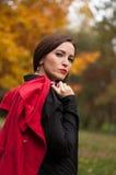 Ritratto della ragazza magica sorridente in autunno Immagine Stock