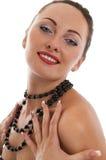 Ritratto della ragazza sexy felice con la collana Immagine Stock Libera da Diritti