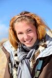 Ritratto della ragazza su un altai Immagine Stock
