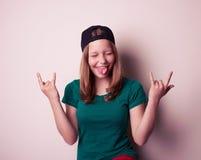 Ritratto della ragazza teenager della giovane roccia Immagine Stock