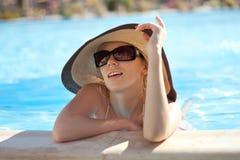 Ritratto della ragazza in un cappello immagine stock