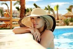 Ritratto della ragazza in un cappello fotografie stock