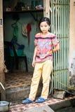 Ritratto della ragazza vietnamita con il cane, Hanoi Fotografia Stock