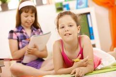 Ritratto della scolara con la penna Immagine Stock