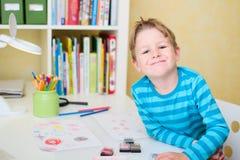 Ritratto dello scolaro felice Immagini Stock