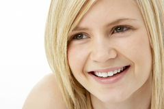 Ritratto dello studio dell'adolescente sorridente Fotografie Stock