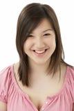 Ritratto dello studio dell'adolescente sorridente Fotografie Stock Libere da Diritti