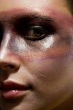 Ritratto dello studio di giovane donna con i aggres Immagini Stock Libere da Diritti