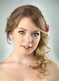 Ritratto dello studio di giovane ragazza dell'adolescente Fotografia Stock