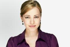 Ritratto di applicazione di giovane donna di affari Fotografia Stock