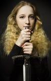 Ritratto di arti della ragazza con la spada Immagine Stock
