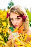 Ritratto di bella bionda con gli occhi verdi Immagini Stock Libere da Diritti