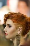 Ritratto di bella donna alla sfilata di moda dei capelli Fotografia Stock Libera da Diritti