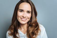 Ritratto di bella donna attraente fotografia stock libera da diritti