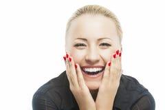 Ritratto di bella donna caucasica che sorride con i wi aperti della bocca fotografia stock