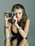 Ritratto di bella donna con monili fotografia stock