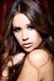 Ritratto di bella donna del brunette immagini stock