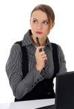 Ritratto di bella donna di affari che lavora sopra Immagine Stock